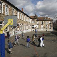 Ecole élémentaire Jules Ferry, Бонди
