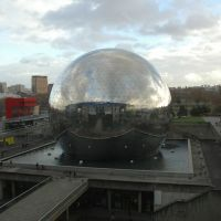 La Géode in the Parc de la Villette, Paris, Обервилье