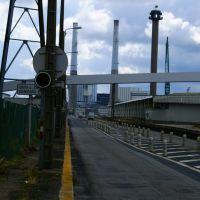 Le Havre. Avenue Lucien Corbeau (avec la centrale électrique au fond)., Гавр