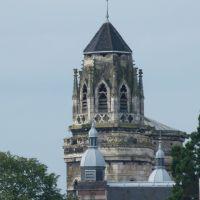 Leglise du Vieux Saint Vincent et les toits de la Préfecture de Mâcon, Макон