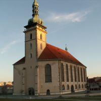 Děkanský kostel, Мост