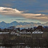 Der Klassiker - Bern, ab der Kornhausbruecke: Altstadt und Berner Alpen © werner daehler, Берн