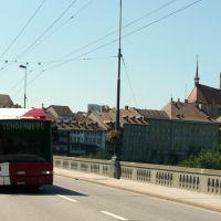 Trolleybus sur le pont de Zähringen à Fribourg, Фрейбург