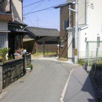 枚方市藤阪元町3丁目の抜け道①, Хитачи