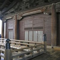 京都東本願寺外観の詳細 Outside wall detail. Higashi-Honganji Temple, Kyoto., Маизуру