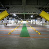 Olinas Kinshicho parking floor. olinasコア 駐車場, Токио