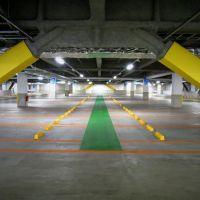 Olinas Kinshicho parking floor. olinasコア 駐車場, Хачиойи