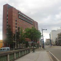 富山マンテンホテル, Камишии