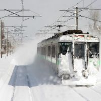 721 raising some snow on the Chitose line 2005 ( map reference is approximate ), Фукуиама