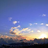 室蘭の夕暮れと工場煙突の煙, Муроран