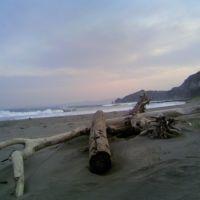 On the beach at Muroran, Муроран