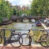 Bridge and bicycles, Амстердам