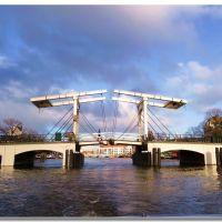 il ponte più famoso di Amsterdam, Амстердам