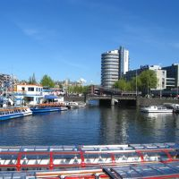 Waiting for the tourists to embark, Amsterdam, The Netherlands, Амстердам