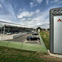 TB, de nieuwe Audi en VW garage in Breda, Бреда
