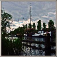 Holländisches Plattbodenschiff in Tilburg, Тилбург