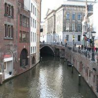 Oudegracht en het stadhuis van Utrecht vanaf de Zoutmarkt., Амерсфоорт