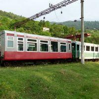 ბორჯომი-BORJOMI -hlavní vlakové nádraží -souprava úzkokolejného vláčku do Bakuriany-GRUZIE-2011, Боржоми