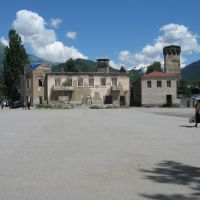 Mestia, grand-place, été 2006, Местиа