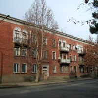 Living house from bricks in Rustaveli street, Рустави