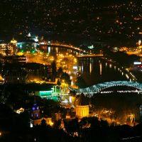 Tbilisi at Night. View from the Observation Deck next to Narikala Fortress - Тбилиси вечерний. Вид на город со смотровой площадки у Крепости Нарикала, Тбилиси