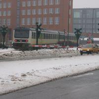 Train crossing Aarhus harbour. feb07, Орхус