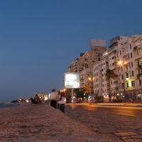 night view - coastal road with buildings, Александрия