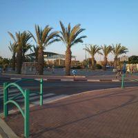Golda Meir - HaTfutzot square, Dimona, Димона