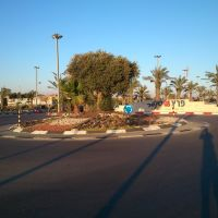 Square outside Dimona (3) - Peretz Center entrance, Димона