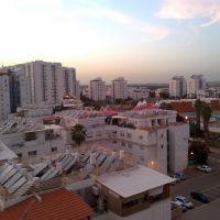 Ganey Aviv Lod, Лод