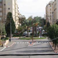 נוף על רחוב אוסטרובסקי מרחוב השרון, Раанана