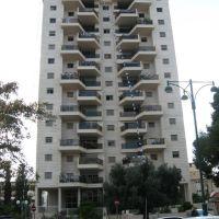 10 Simtat HaDror, Hod-HaSharon, Israel, Од-а Шарон