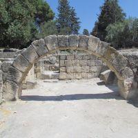 שרידי בית הכנסת בבית שערים, Кирьят-Тивон