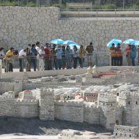 Grupo Hallel em Visita o Museu de Israel Frente a Maquete de Jerusalem - Jerusalem - Israel, Иерусалим