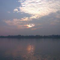 Sunset at Ganges, Панихати