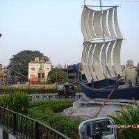 Boat Sculpture - Makkai Pool, Сурат