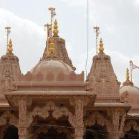 DPAK MALHOTRA, stylish Sri Swminarayan Mandir, Jawahar Road, Surendernagar, गुजरात भारत Gujarat Bharat ગુજરાત ભારત દેશનું, Сурендранагар