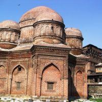 Zain-ul-abidien Tomb Maharaj Gunj, Сринагар