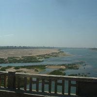 River Narmada near Hoshangabad, Барейлли