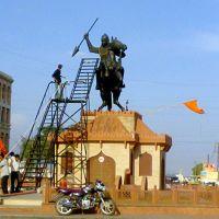 Maharaja Chatrasal Statue, Near Bombay Hospital, Indore, Кхандва