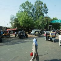 Jhansi, taxi station next to the railway station., Мау