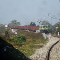 WAG-9 hauled empty freight train waiting at Katni Mudwara outer, Мурвара