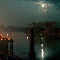 Full moon near Panchganga ghat, Колхапур
