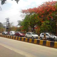 Road in front of Dhairya Prasad Hall Kolhapur, Колхапур