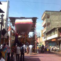 """गणेश विसर्जनाच्या दिवशी सम्राट मंडळाचा गणपती. Pink road and Samrat Ganesh (Before """"Visarjan"""" )  at Satara, Сатара"""