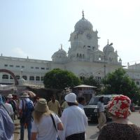 Amritsar - outside the Sikh golden temple, Амритсар