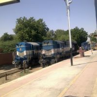 bgkt wdm-2 and abr wdm-2a at bikaner rlwy station, Биканер