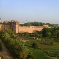 Junagarh Fort (Rajasthani: जुनाग्द क़िला) is a fort in the city of Bikaner, Rajasthan, India., Биканер