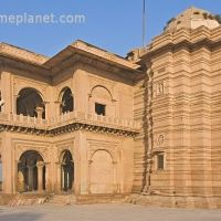 The yellow sandstone Ganga Mandir is a temple that is noted for its fine and detailed carving., Бхаратпур