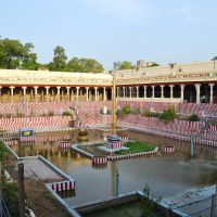 Porthamarai Kulam, the sacred pond inside the Meenakshi Sundareswarar Temple. Madurai, India., Мадурай